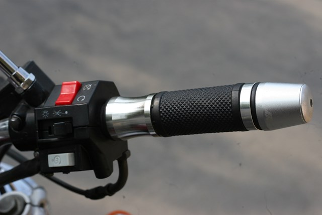 Xe motor Yamaha dong co VTwin cuc ngau gia cuc yeu - 8