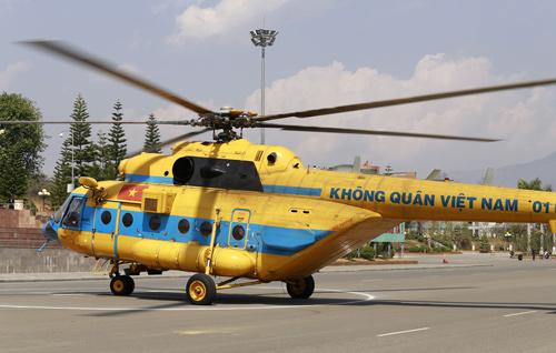 Bo truong Giao thong cu to dieu tra vu sap cau - 2
