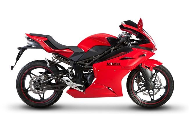 M1nsk gioi thieu mau sportbike R250 - 9