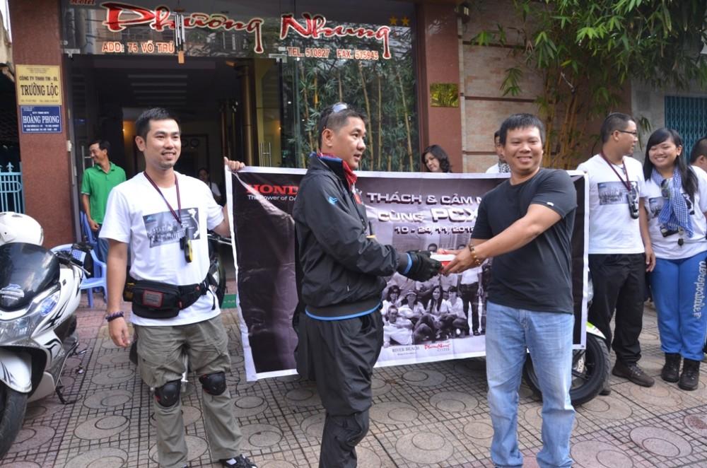 Thu thach Cam nhan cung PCX trong hanh trinh xuyen Viet Phan 2