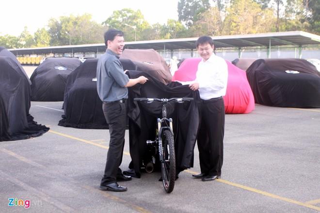 MercedesBenz ra mat xe dap gia 182 trieu tai Viet Nam