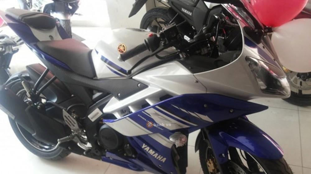 R15 version 3 cua Yamaha da ve den showroom