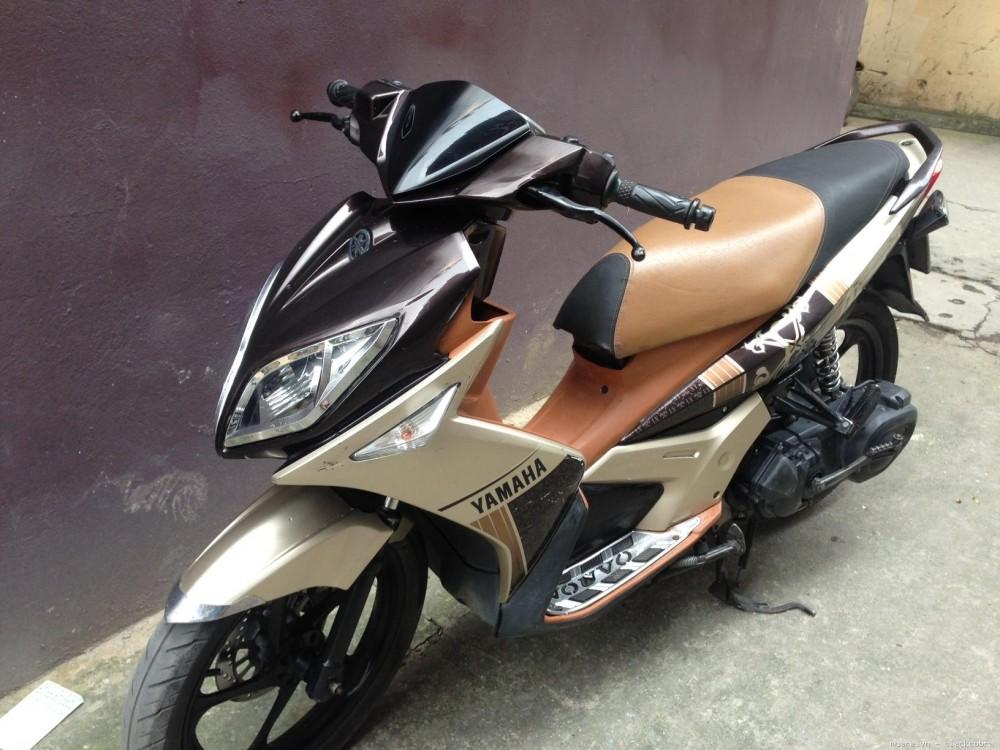 Can ban xe Nouvo Lx 135cc mau NauVang Doi 2010 bien Ha Noi
