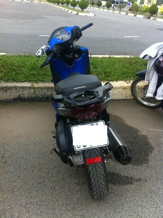 Honda SH xanh den sporty phien ban mo to - 10