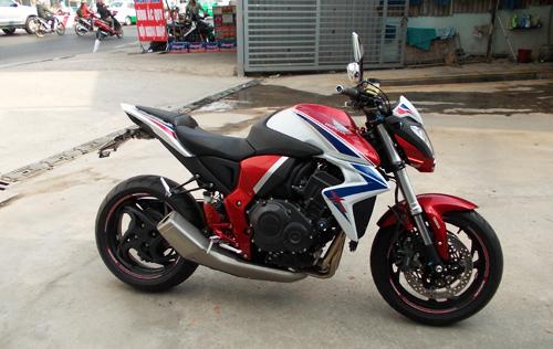 Honda CB1000R ABS Limited 2014 dau tien ve Viet Nam - 4