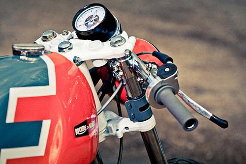 Honda CB350 cafe racer voi mot phong cach la lam - 5
