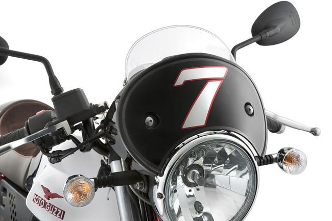 Moto Guzzi V7 2014 nhieu lua chon hon 3 phien ban bien the moi - 3