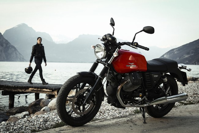 Moto Guzzi V7 2014 nhieu lua chon hon 3 phien ban bien the moi - 8