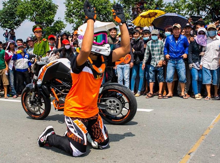 Khan gia pha hong cuoc dua biker malaysia vai lay tai Drag 400m Binh Duong - 2