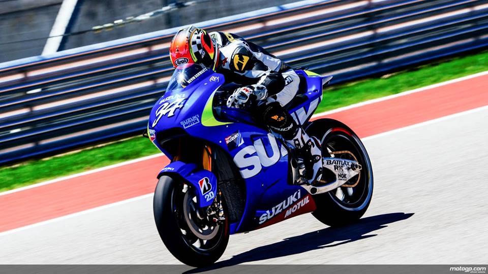 Suzuki se tro lai Moto GP trong mau ao xanh tuyet dep