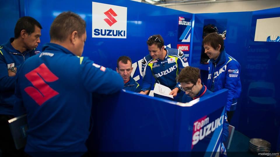 Suzuki se tro lai Moto GP trong mau ao xanh tuyet dep - 2
