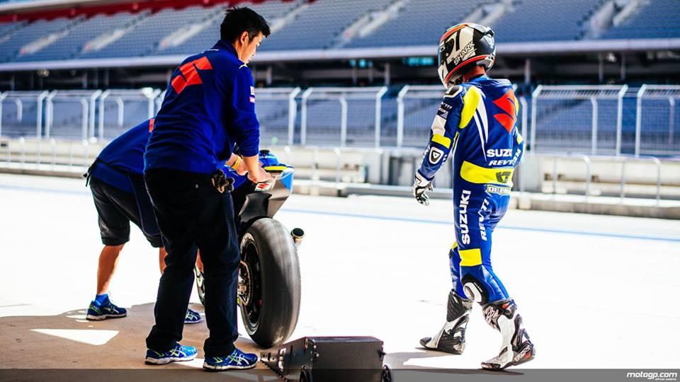 Suzuki se tro lai Moto GP trong mau ao xanh tuyet dep - 3