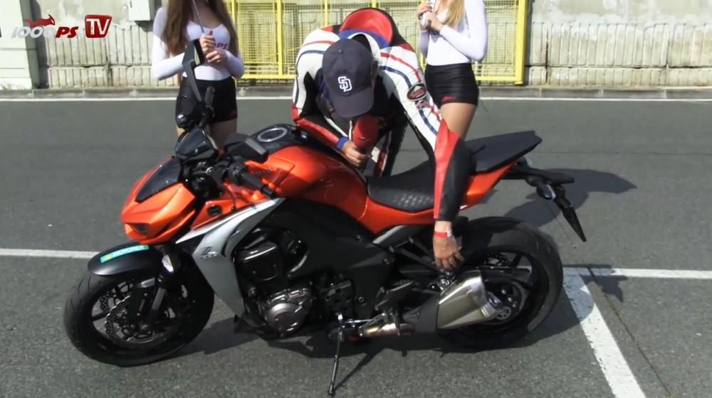 Xem Kawasaki Z1000 2014 tren duong chay track - 2