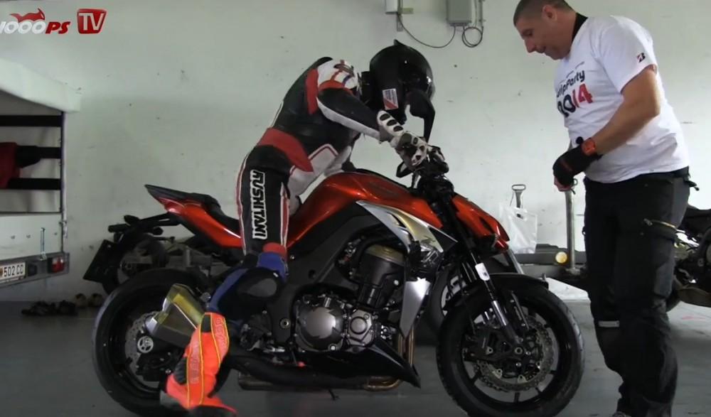 Xem Kawasaki Z1000 2014 tren duong chay track - 5