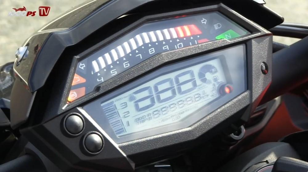 Xem Kawasaki Z1000 2014 tren duong chay track - 6