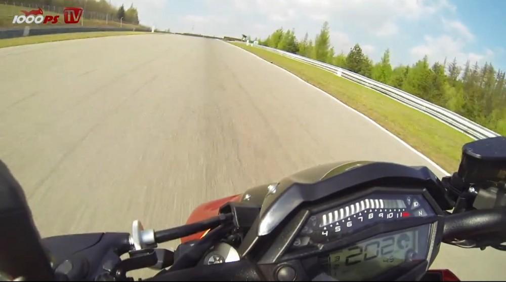 Xem Kawasaki Z1000 2014 tren duong chay track - 7