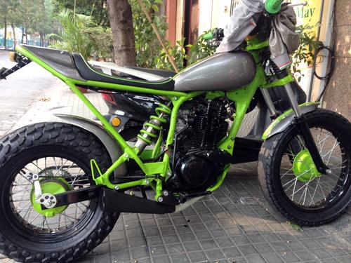 Yamaha TW200 Chau Chau xanh cua chang sinh vien Viet - 3