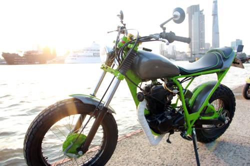 Yamaha TW200 Chau Chau xanh cua chang sinh vien Viet - 4