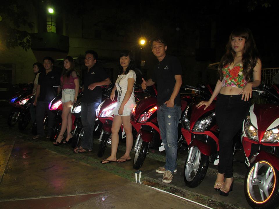 Anh Em hoi Honda Air Blade 125cc OFFLINE lan 2 tai Cafe Toc Do
