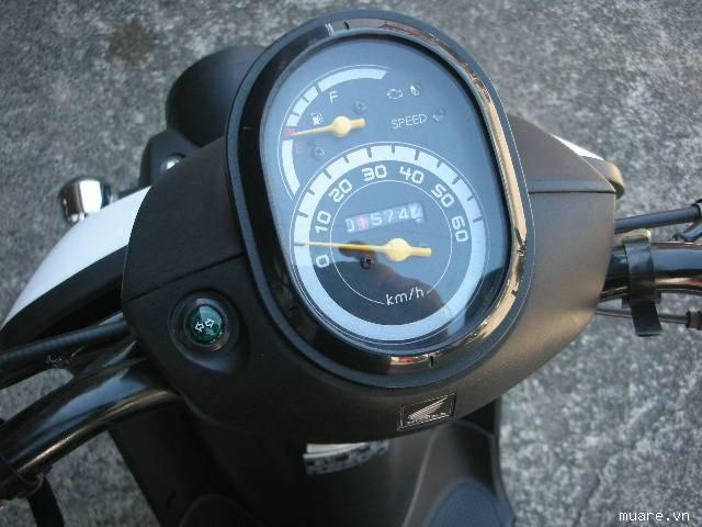 Ban Honda Benly 50 PGMFi Date 2011 - 4
