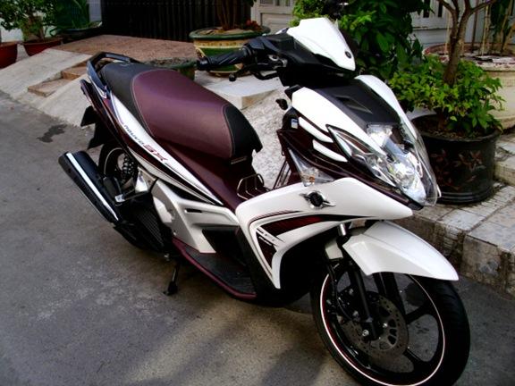 Ban Novou 5 mau trang nho xe dang ky nam 2012
