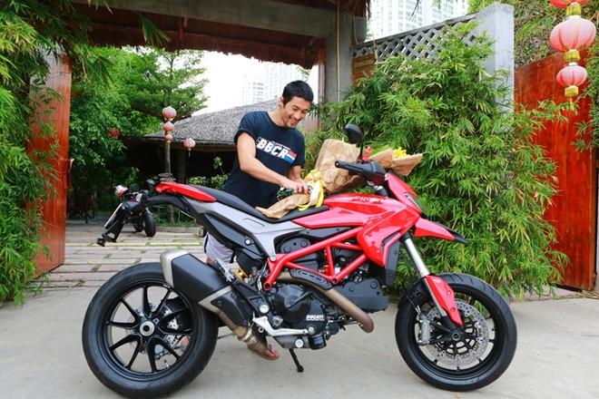 Bo suu tap sieu xe Ducati cua dien vien Johnny Tri Nguyen