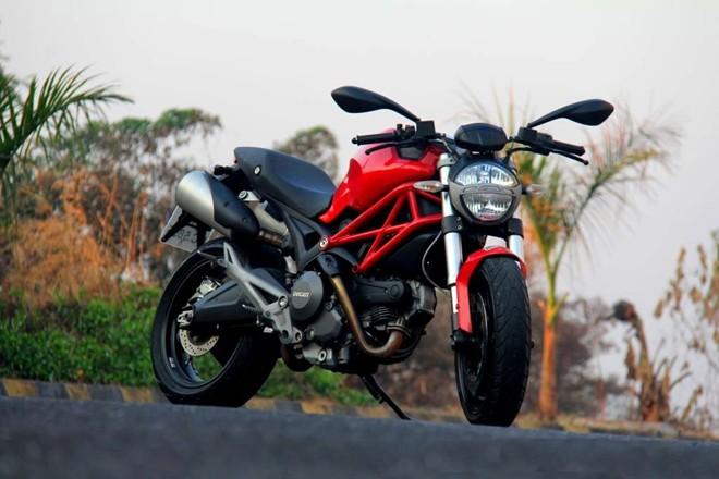 Bo suu tap sieu xe Ducati cua dien vien Johnny Tri Nguyen - 5