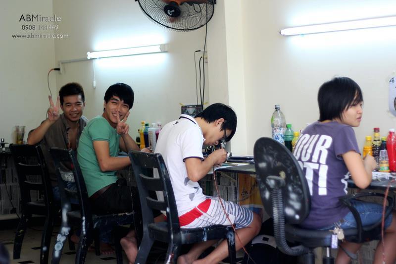 Dao tao hoc vien AirBrush ABMiracle 411B Nguyen Tri Phuong Quan 10 - 13