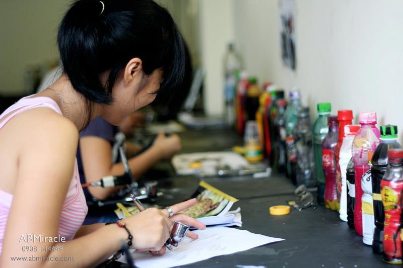 Dao tao hoc vien AirBrush ABMiracle 411B Nguyen Tri Phuong Quan 10 - 14