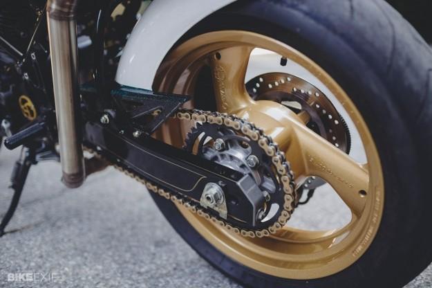 Ducati Monster 750 do bat mat cua nu biker Ba Lan - 5
