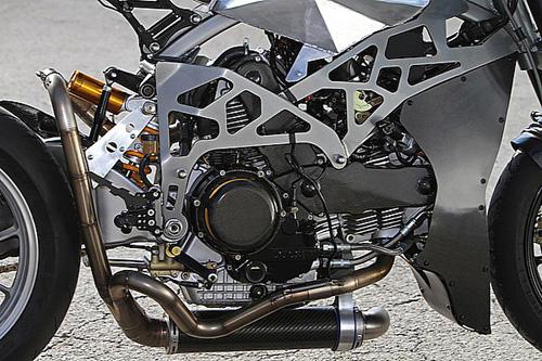 Ducati Monster 900 CNC - 2