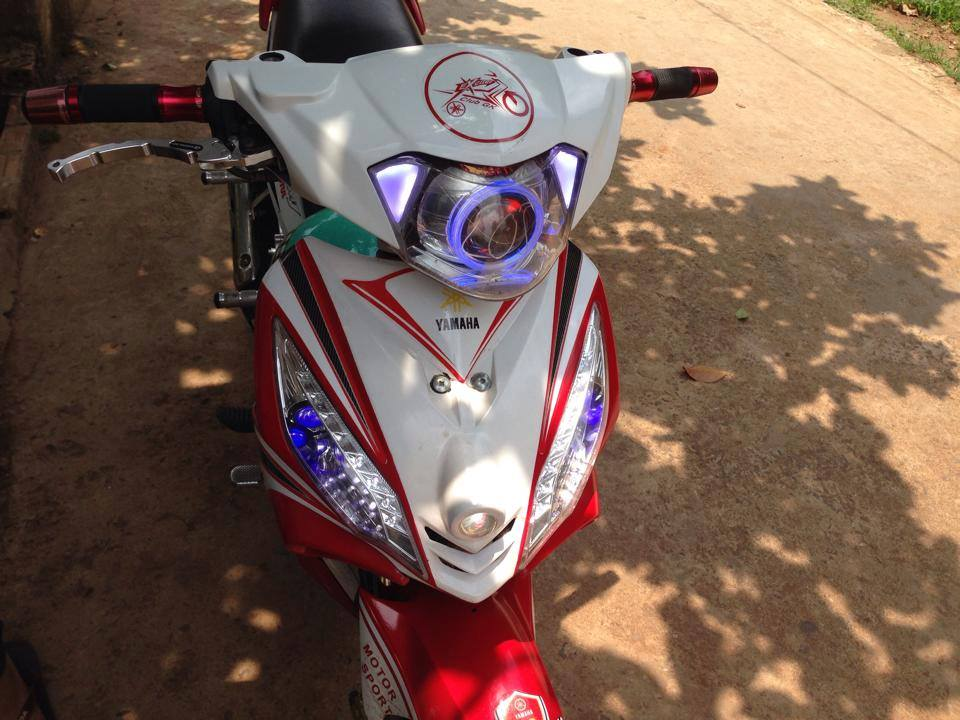 Exciter trang do phong cach MotoGP - 6