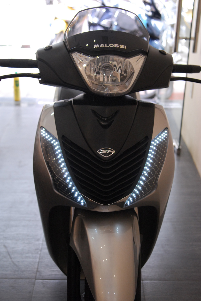 Honda SH do chat va doc la voi 3 ong khoi - 7