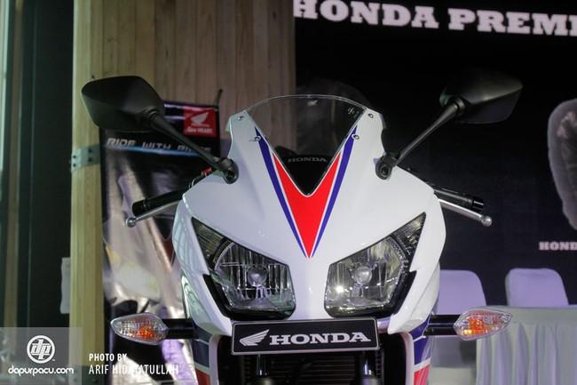 Honda CBR250R 2014 den pha doi chinh thuc trinh lang