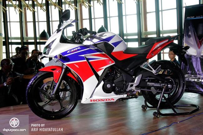 Honda CBR250R 2014 den pha doi chinh thuc trinh lang - 8