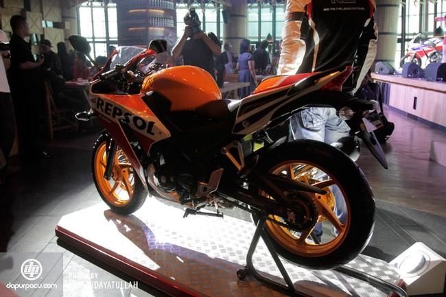 Honda CBR250R 2014 den pha doi chinh thuc trinh lang - 10
