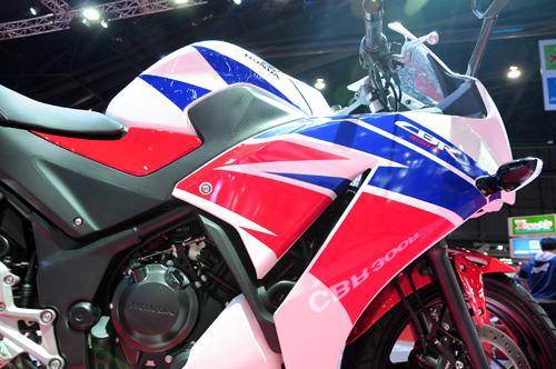 Honda CBR300R chinh thuc ra mat voi gia 115 trieu dong - 2