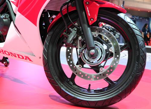 Honda CBR300R chinh thuc ra mat voi gia 115 trieu dong - 5