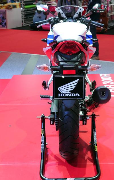 Honda CBR300R chinh thuc ra mat voi gia 115 trieu dong - 13
