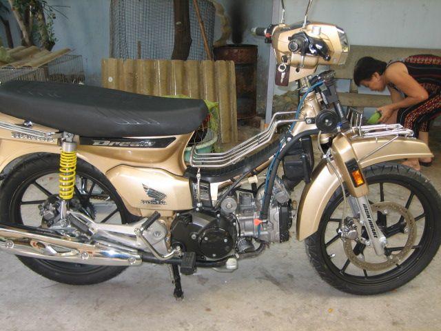 Honda Dream 4vale dinh cao