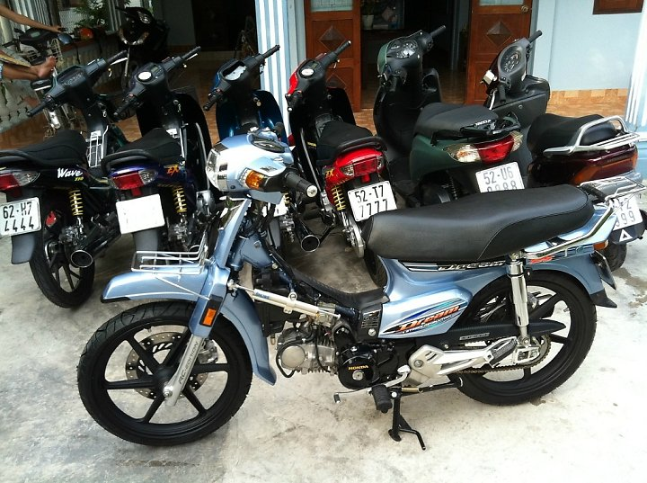 Honda Dream Long An don leng keng cung dan bien so khung