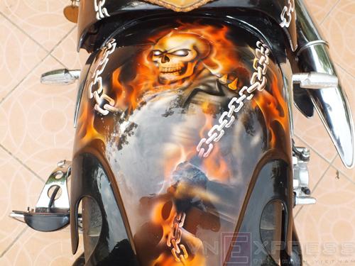 Suzuki Intruder co may moi cua Ghost Rider - 10