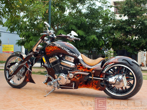 Suzuki Intruder co may moi cua Ghost Rider - 16