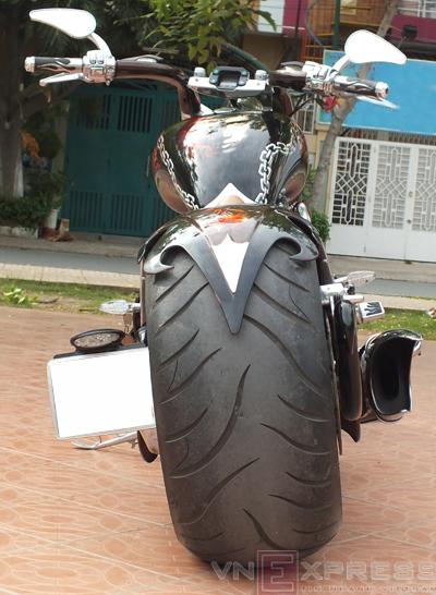 Suzuki Intruder co may moi cua Ghost Rider - 22