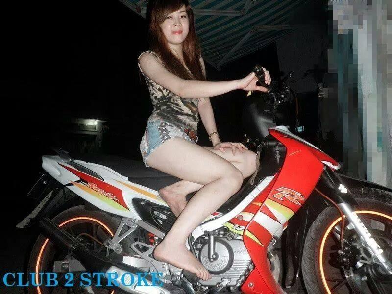 Suzuki Sport va nhung co gai mac vay it thay - 5