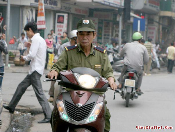 Tai sao di SH thuong ko doi mu bao hiem - 3