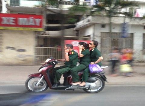 Tai sao di SH thuong ko doi mu bao hiem - 4