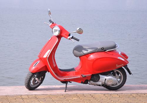 Vespa va Honda SH cuoc chien cua thuong hieu va phong cach