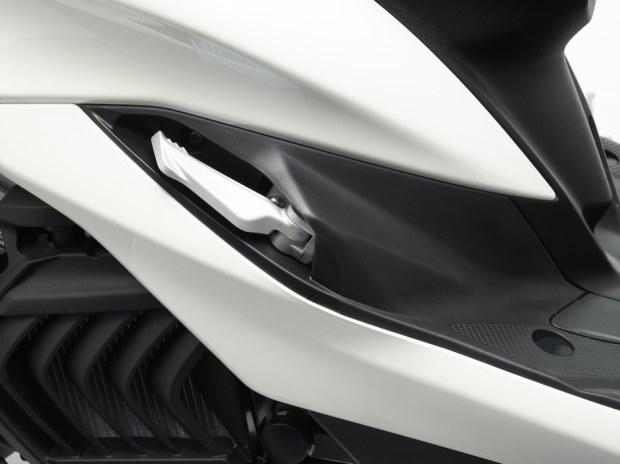 Yamaha Majesty S 125 2014 xe ga nho co thiet ke lon - 23