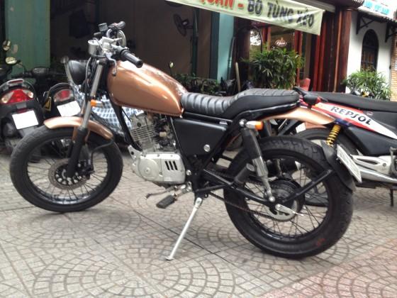 Saigon ban su gn125 len tracker xe dep long lanh